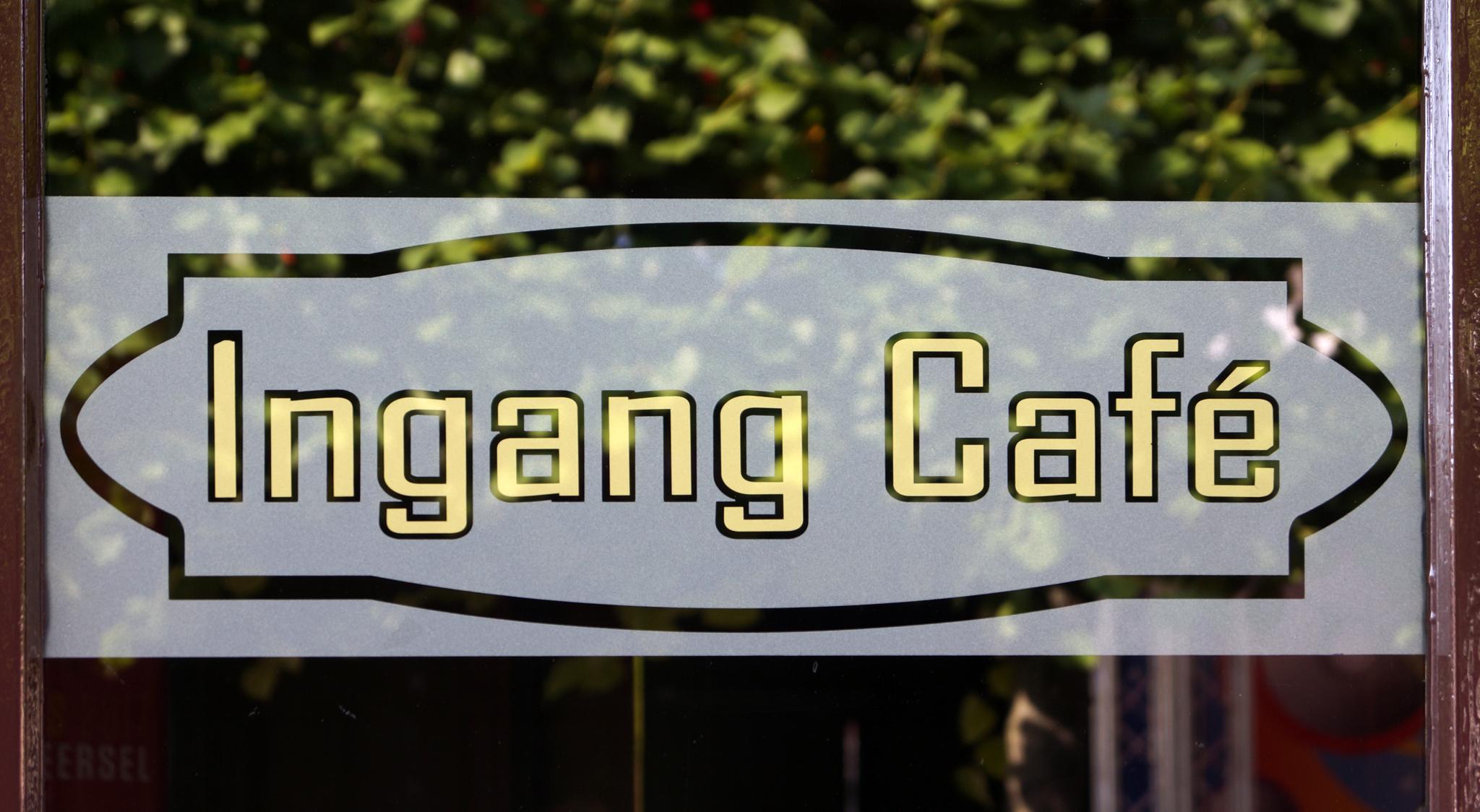 Ingang café de Gouden Leeuw