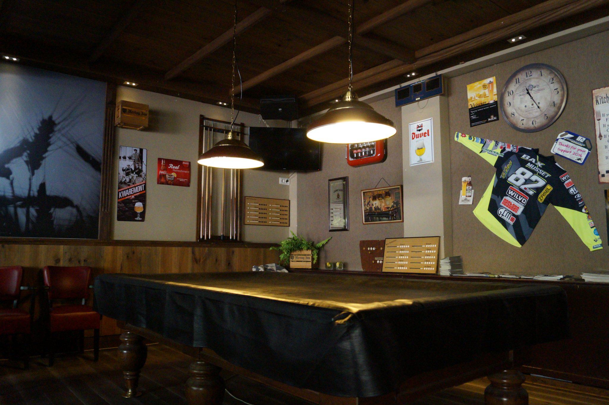 Biljart in café de Gouden Leeuw in Bergeijk
